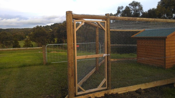 how to build a chook run