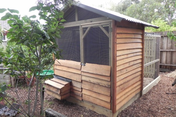 radial sawn timber chicken house by Yummy Gardens Melbourne