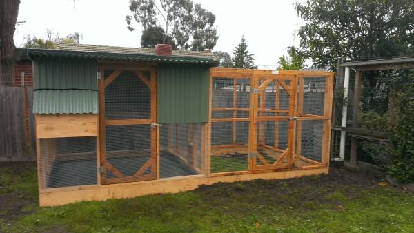 Chicken coop and run by Yummy Gardens Melbourne